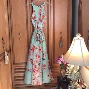 Dresses & Skirts - Sleeveless Maxi Dress in soft floral mint green.